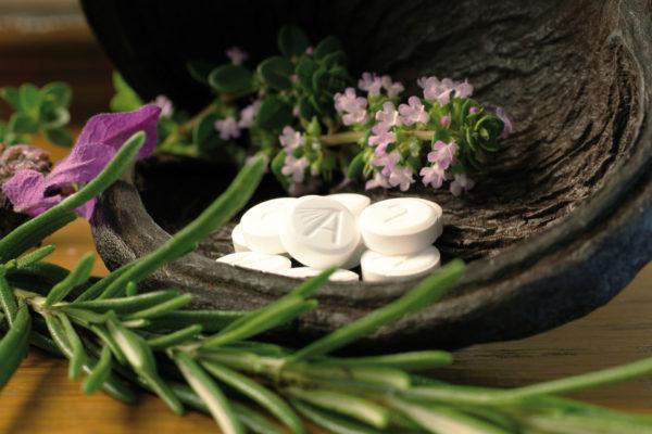 Schüßler-Salze - sind Mineralsalze in homöopathischer Dosierung. Schüssler Salze - Eine alternative Heilmethode auf homoöpathischer Basis nach Dr. Wilhelm Heinrich Schüßler. Günstig in der Post Apotheke